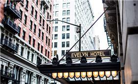 The Evelyn Hotel - Hotel Façade